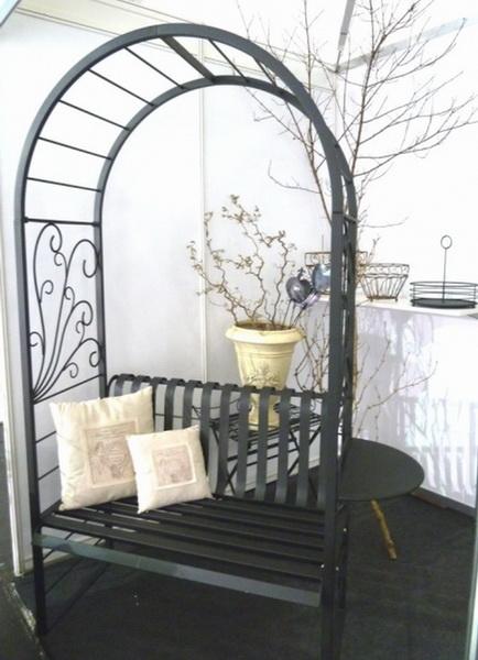 rosenbogen mit t r sitz robo rosenbogen mit sitzbank. Black Bedroom Furniture Sets. Home Design Ideas